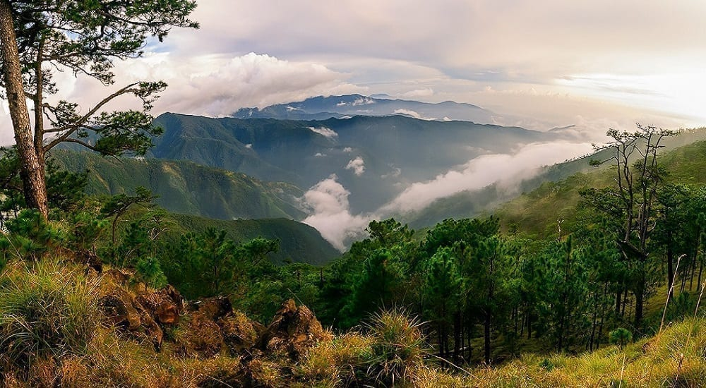 mt. tapulao hiking in philippines