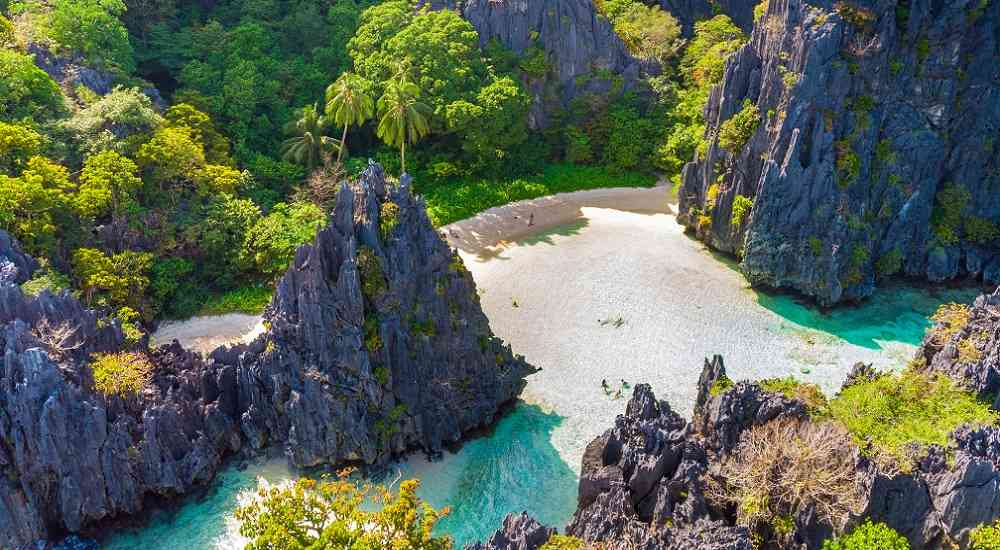 hidden beach in el nido luzon tourist spots