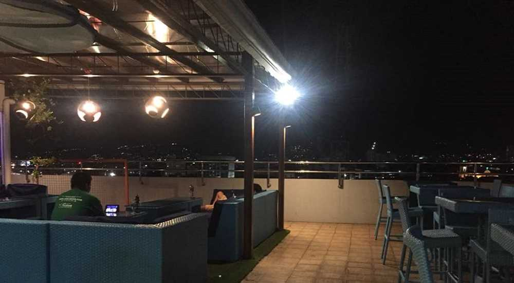 Azotea Sports Bar and Restaurant fort san pedro cebu